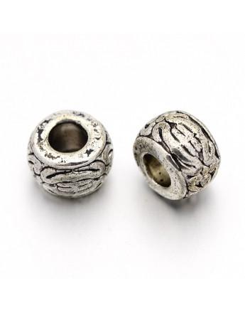 Karoliukai, sendinto sidabro spalvos, apie 8 mm pločio, 5,5 mm ilgio, skylė: apie 3 mm