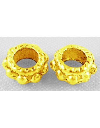 Aukso spalvos intarpai, apvalūs, plokšti, be švino ir kadmio, matmenys: 6mm diametro, 3mm storio, skylė: 3mm