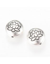 Sendinto sidabro spalvos, perveriamas pakabukas, lotusas, apvalus, plokščias, be švino ir kadmio, matmenys: 14x6.5mm, skylė:1mm;