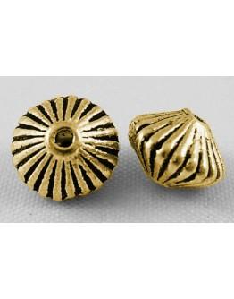 Sendinto aukso spalvos intarpai, be nikelio ir kadmio, bicone formos, matmenys: apie 7.8mm diametero, 5.5mm storio, skylė: 1mm;