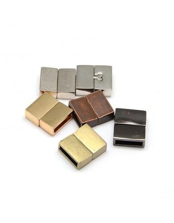Stačiakampio formos magnetinis užsegimas, sidabro spalvos, matmenys: 18x16x6mm, skylė: 3x13mm