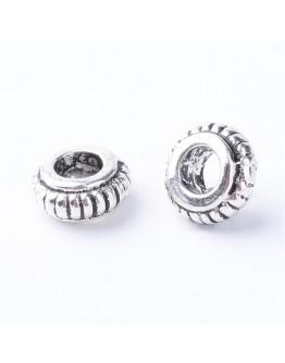 Sendinto sidabro spalvos intarpai, be kadmio, nikelio ir švino, matmenys: 7.5mm diametro, 3~4mm storio, skylė: 3mm; 10vnt./pak.