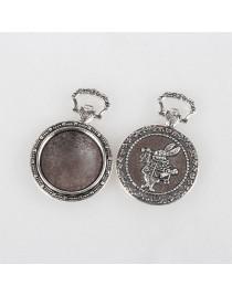 Sendinto sidabro spalvos, laikrodžio formos, matmenys: 39x27x4mm; rėmelis: 20mm; skylė: 9x4mm
