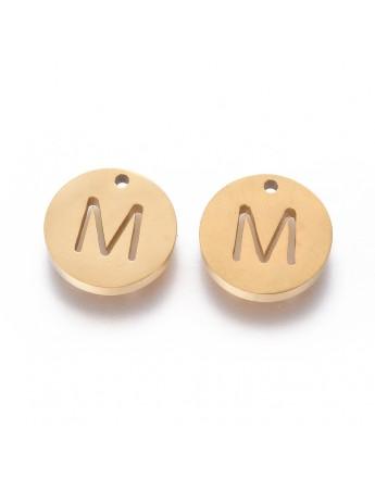 Aukso spalvos, nerūdijančio plieno pakabukas, apvalus, plokščias, raidė M,  matmenys: 10x1.5mm, skylė: 1mm