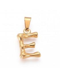 Aukso spalvos, nerūdijančio plieno pakabukas, raidė E, matmenys:18x12x3mm skylė: 3x7mm